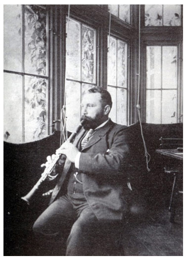Legendary clarinetist Richard Muhlfeld in 1894.