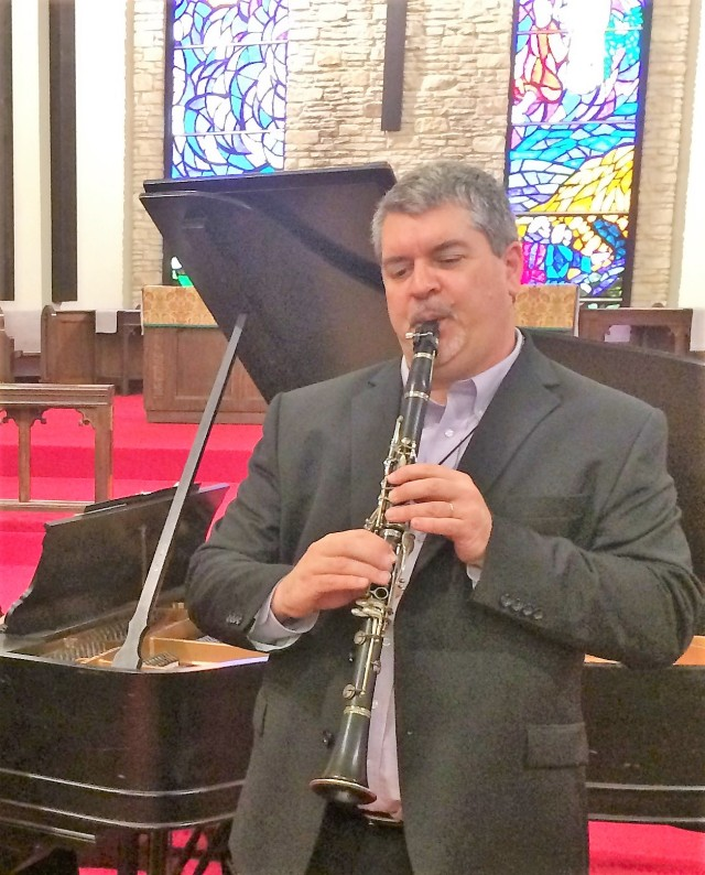 ClarinetMike Performing in Austin, Texas Using The 5-C Clarinet Embouchure